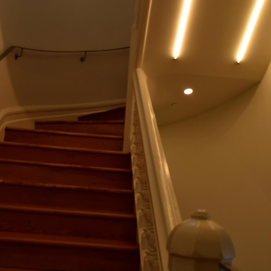 Cambridge Post Office - hidden stairs