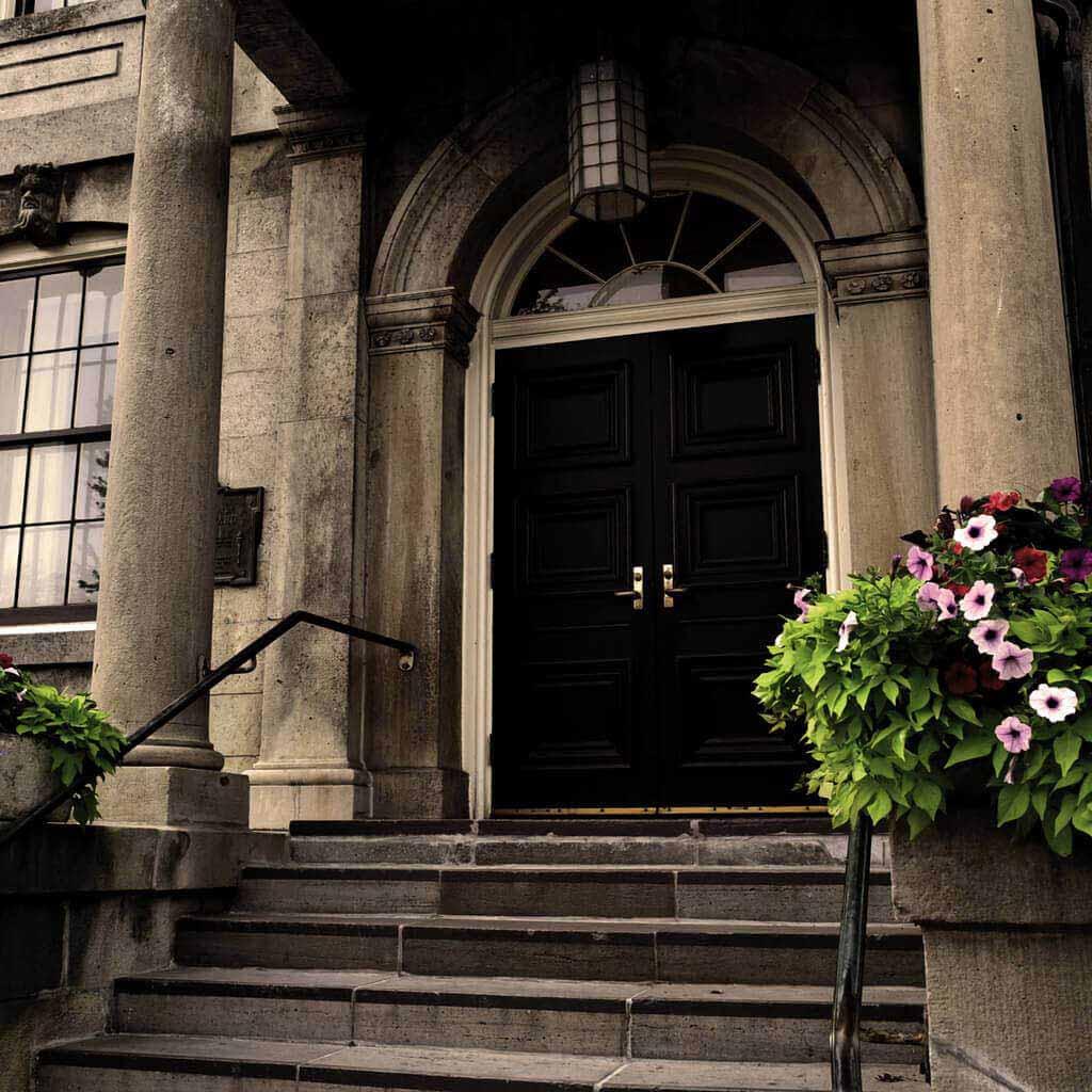 Niagara's Dark History Tour - Courthouse Stairs